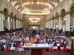Einzug der Zelebranten in die Schützenhalle Lüdenscheid; Bild Ulrich Isfort